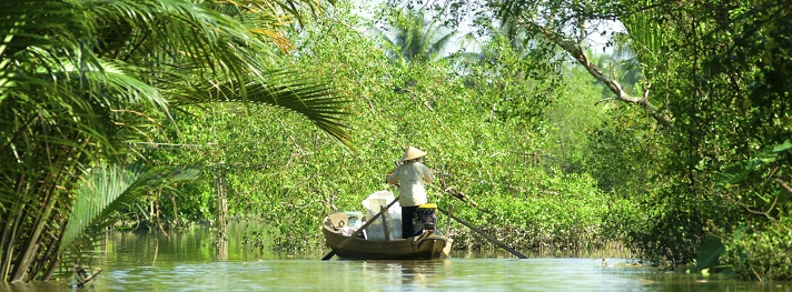 boats-in-a-harbor-in-the-mekong-delta-can-tho-vietnam