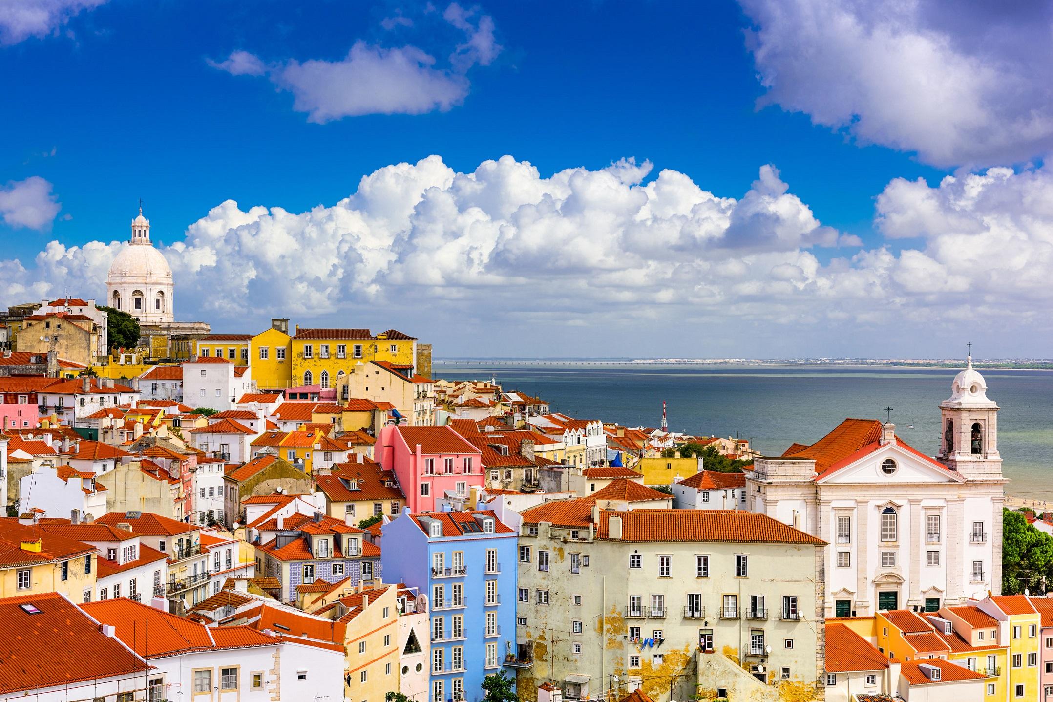 41511085-lisbon-portugal-cityscape-in-the-alfama-district