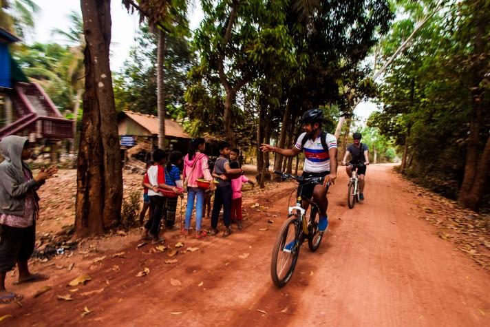 img-tour-mekong-cycling-01