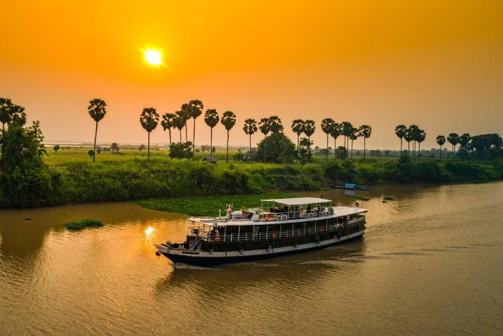 img-tour-mekong-ship-toum-tiou-04-2