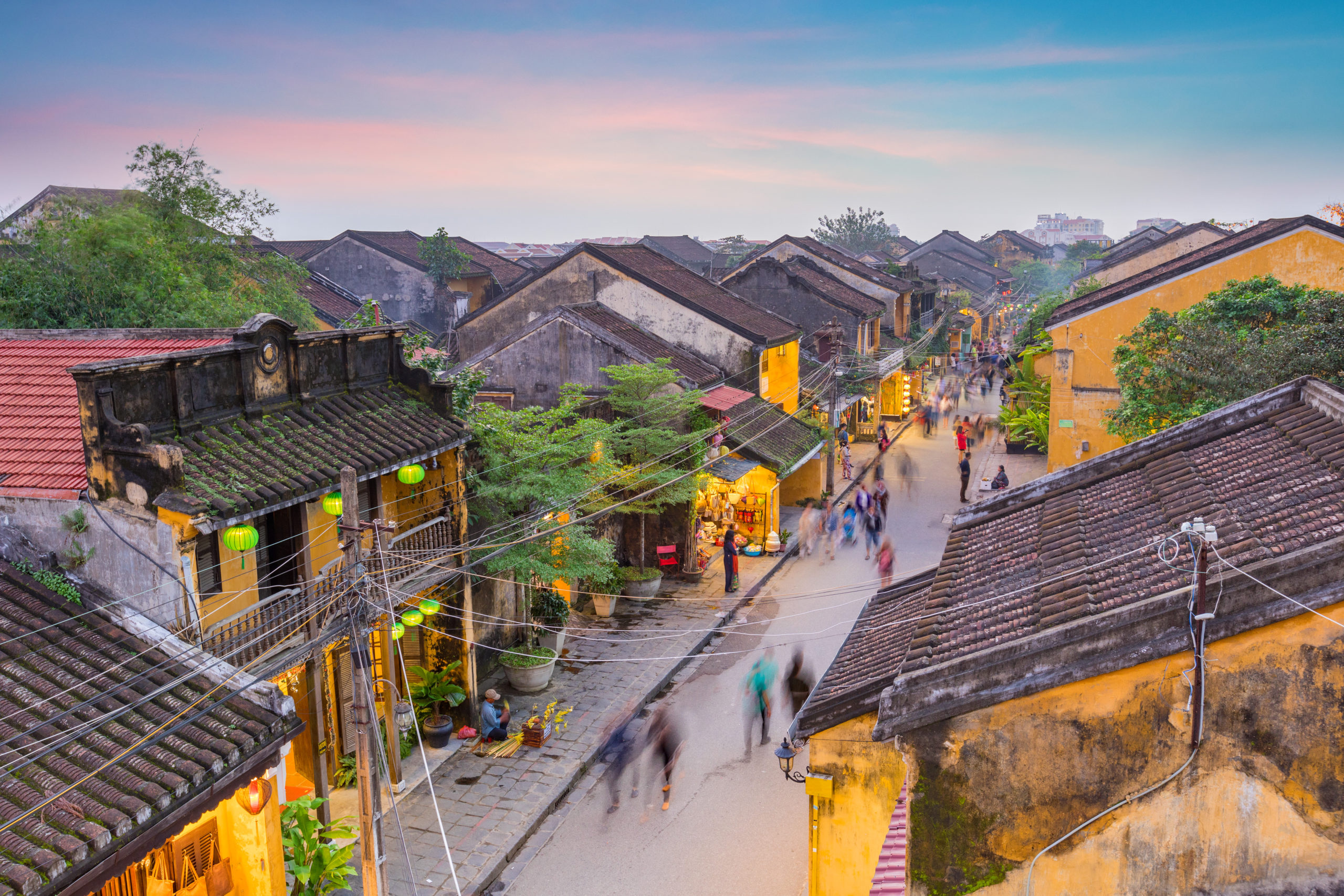 the-street-of-old-town-hoi-an-vietnam_797130802