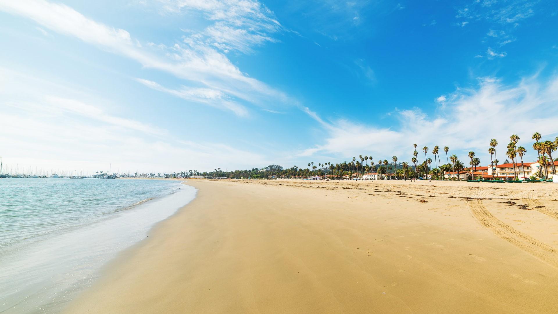 day-3_beaches_santa-barbara-california-usa-hgr-141982-photo_shutterstock