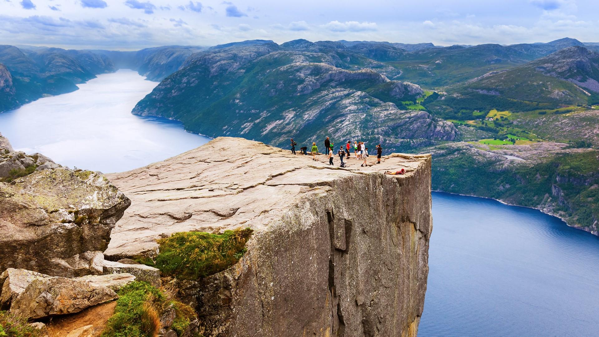 day-9_lysefjord_on-top-of-the-pulpit-rockpreikestolen_shutterstock