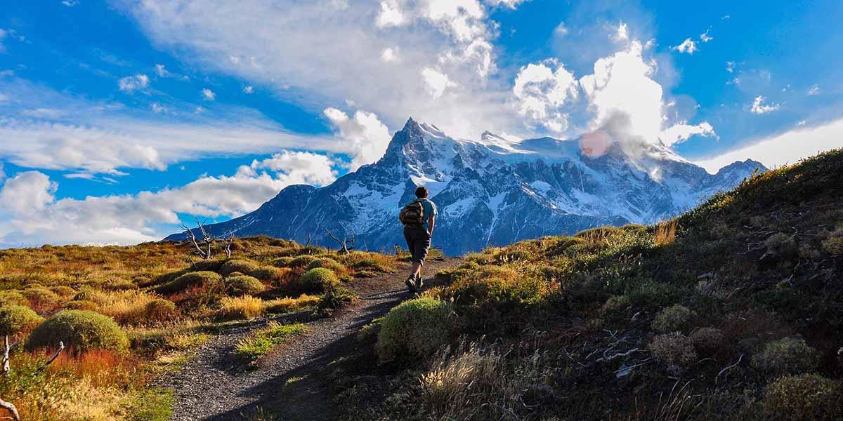 trekking-in-parque-nacional-torres-del-paine-chile