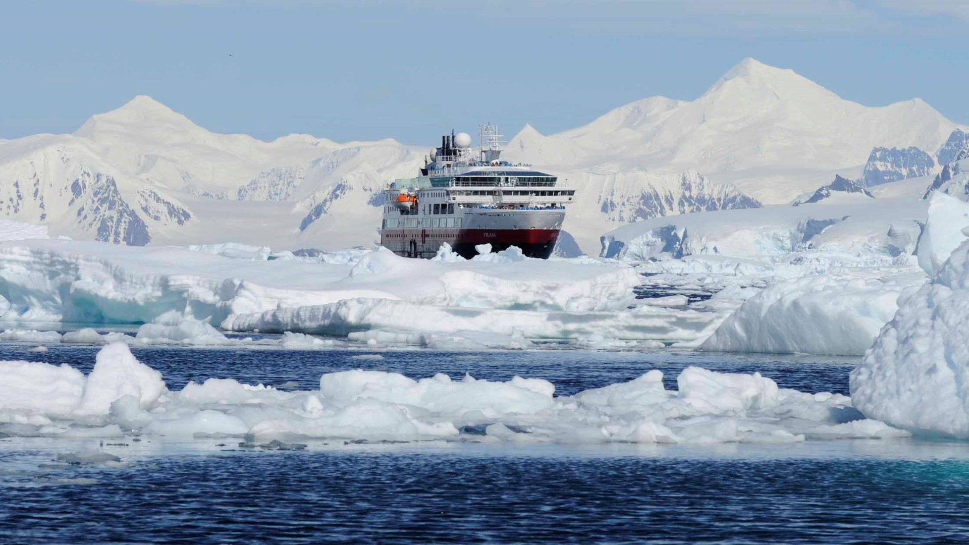 the-gullet-marguerite-bay_ms-fram-antartika-gian-rico-willy_2500x1250